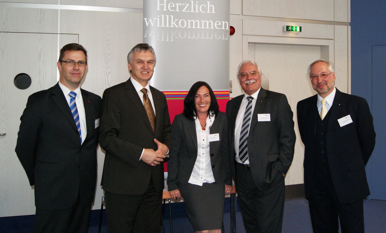 Prof Dr Joachim Frech Und Professor Manfred Trger Beide Dhbw Traeger Schematic Claudia