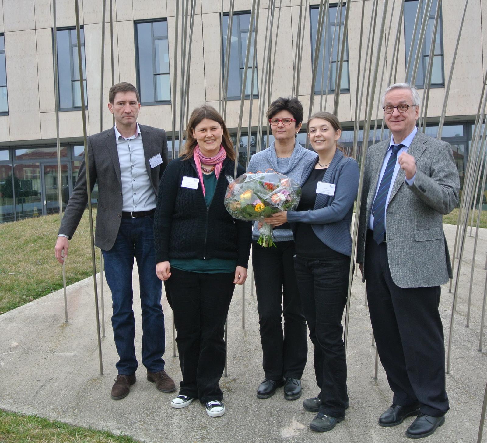 Rümker-Preisträgerin 2015 Dr. Eva Herzog (mit Blumen ...